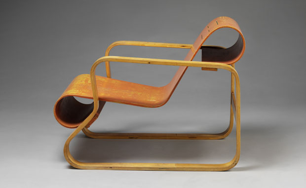 Alvar Aalto, armchair, Finland, 1930 Photograph. c Victoria and Albert Museum, London